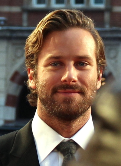armie_hammer_on_the_nocturnal_animals_red_carpet_283029124822629_28cropped29